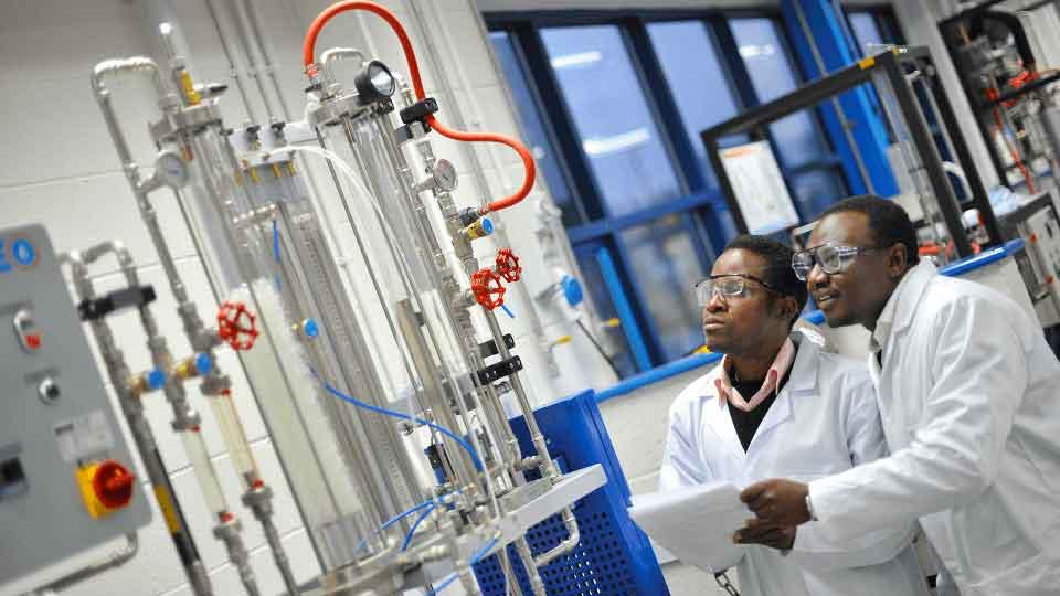 Как стать промышленным химиком?