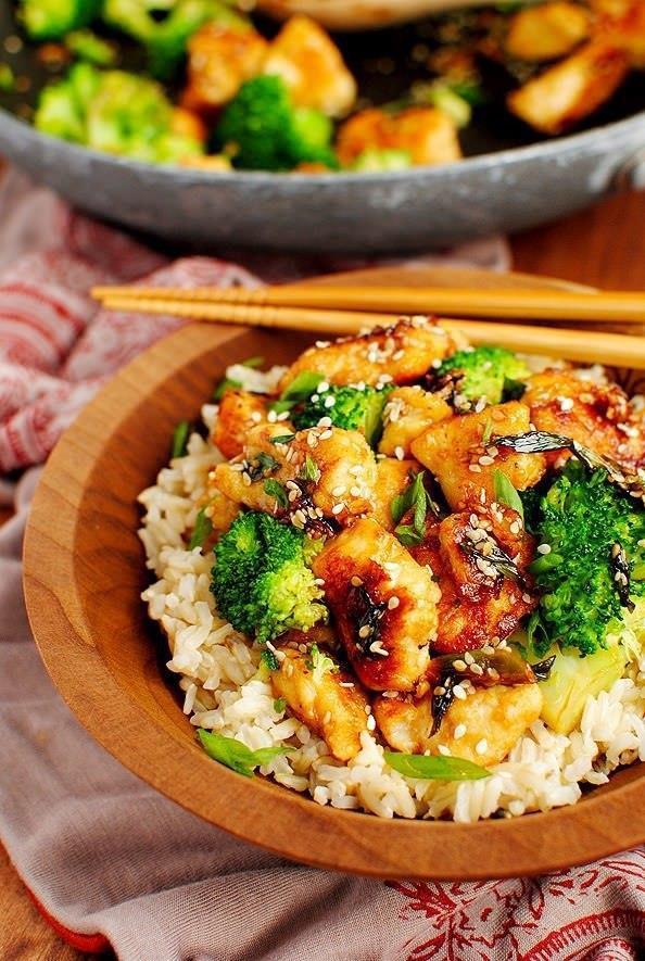 Курица в азиатском стиле с кунжутом