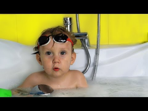 What if Papa Bathes Baby Denis My Dad's fun day with Kids by MAMA