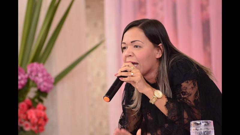 Inacreditável o que Deus falou pela boca dessa mulher! Azimavete Soares. 2018