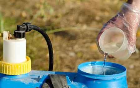 Для повышения эффекта можно использовать несколько пестицидов от постельных клопов