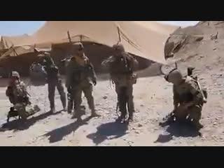 Грузины читают молитву «Отче наш» в Афганистане