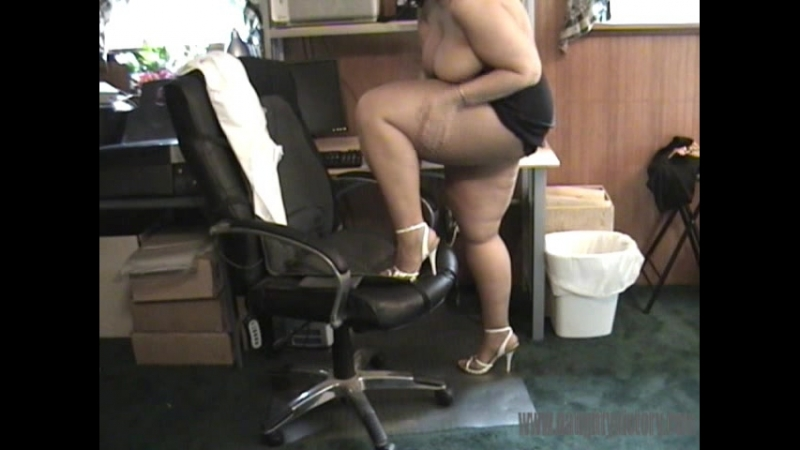 Victory - Legs teasing at the office