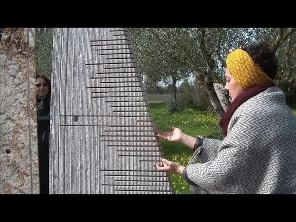 Silvia suona le Pietre Sonore di Pinuccio Sciola (San Sperate 21022018)