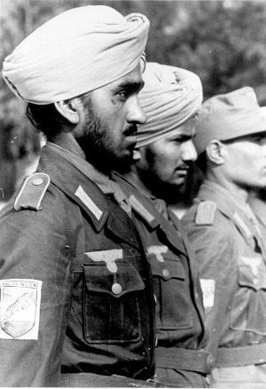 НЕГРЫ ВЕРМАХТА ВОЕВАЛИ ПОД РОСТОВОМ ЛЕТОМ 1942-го Это была самая экзотическая воинская часть во всем германском вермахте - особый «Корпус F», или же «Гельмут Фельми», по имени командира. После