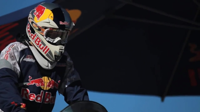 Levi La Vallees World Record Snowmobile Jump - Red Bull New Year No Limits 2010