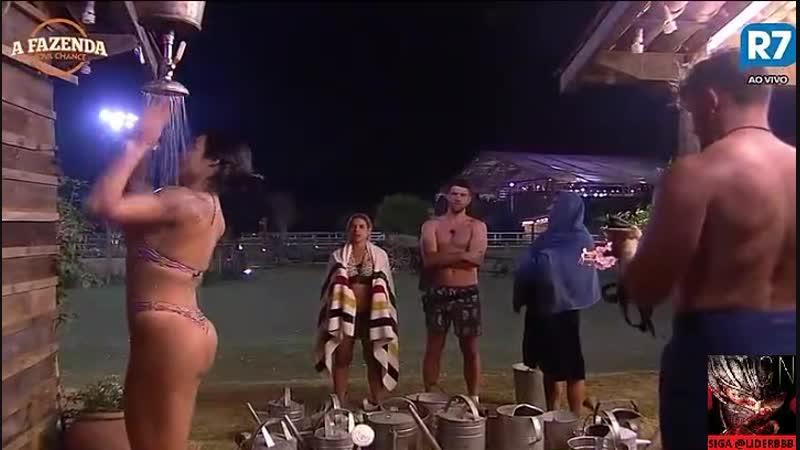 26/09 - Marcelo fazendo firula c peões no banho - 18:22