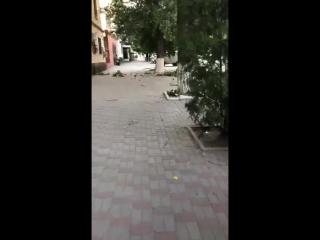 Летят кирпичи с крыши. Ул Шевченко. 2018 июль- Блокнот Шахты