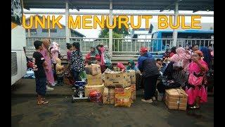 Unik 5 Kebiasaan Orang Indonesia Bikin Bule Gagal Paham