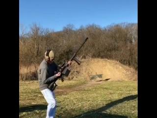 Стрельба из крупнокалиберной винтовки Barret.