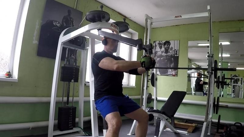 Тренировка в зале Strong Man