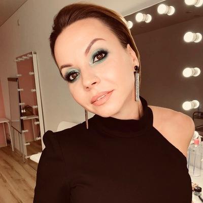 Анна Пузакова