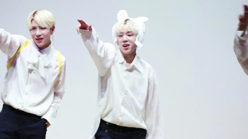 FANCAM | 17.08.18 | Byeongkwan (A.C.E - Take Me Higher) @ 15th fansign Beatroad