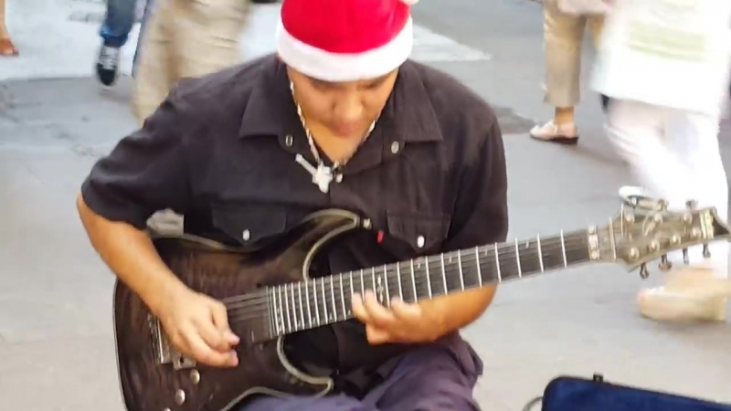 Отель Калифорния(уличный гитарист Диаман Салазар)...