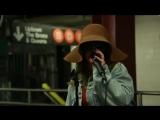 Кристина Агилера инкогнито выступила в метро Нью-Йорка