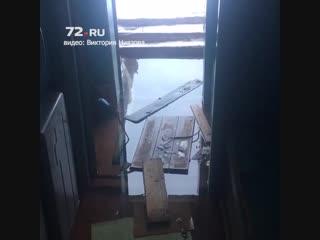 Жители дома на Лесобазе встречали Новый год в затопленной квартире