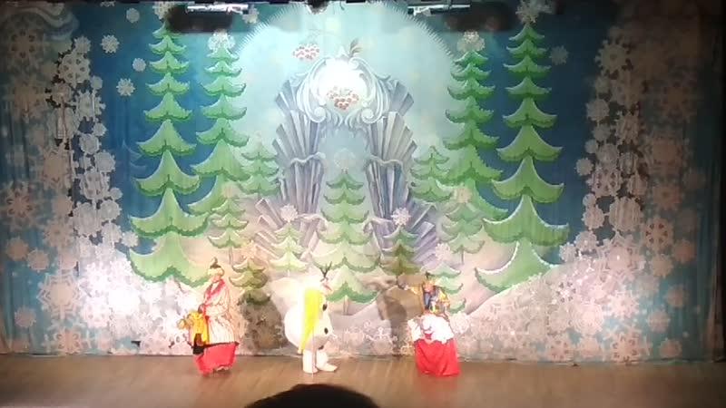 Елка заморские гости верблюд и слон