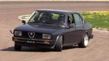 Alfa Romeo Alfetta 2.0 Twin Spark - Crazy drift, track action &amp on board