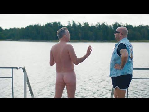 Tony testar att bada naken - Camping Queens (Sjuan)
