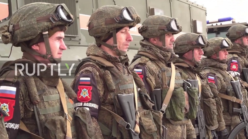 Syria Russian military police accompany UN Red Crescent convoy to Damascus