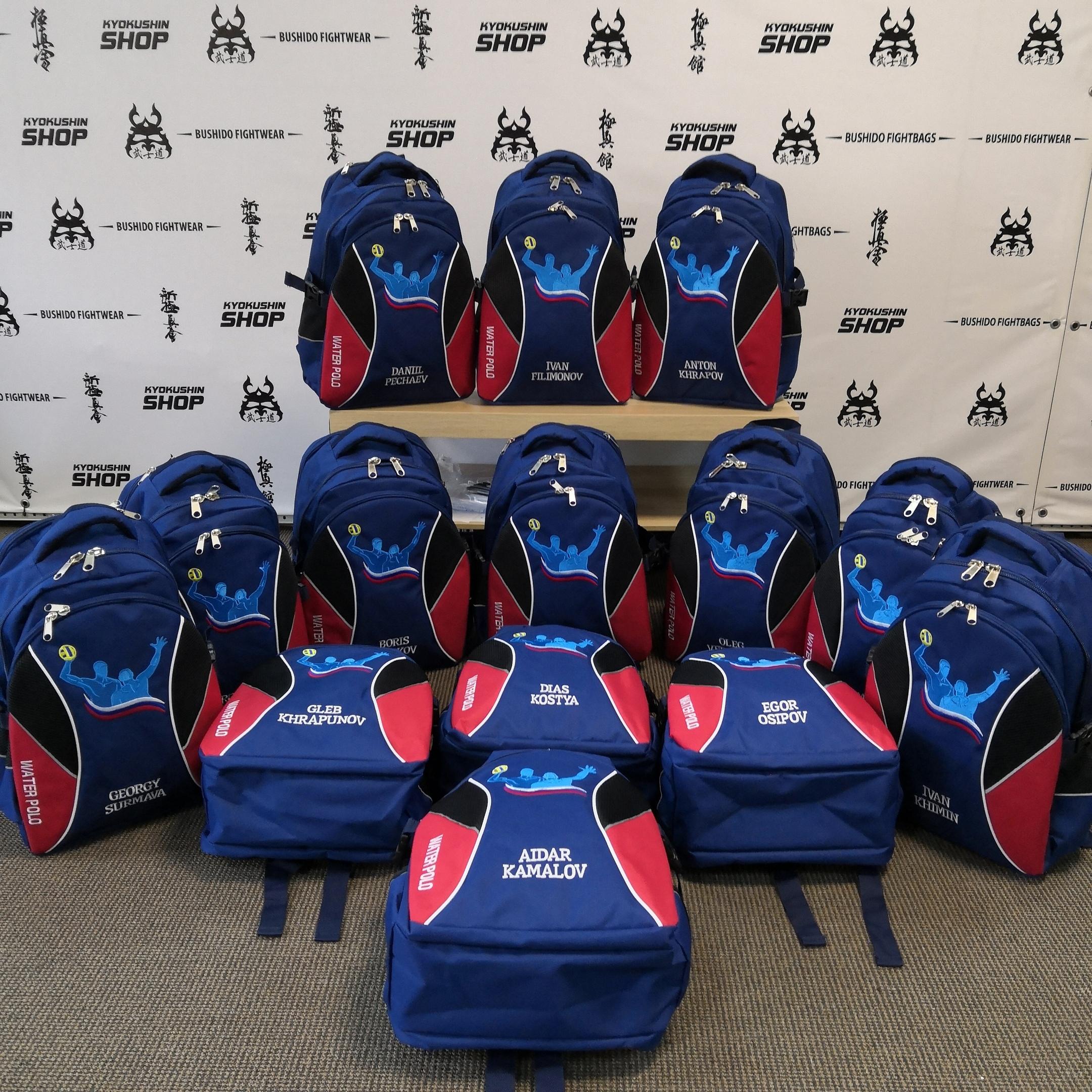 Так вышло, что рюкзаки для водного поло у нас заказывают в основном команды.