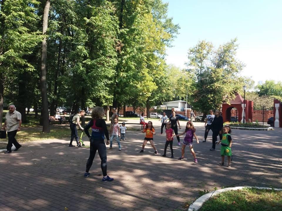 В Савеловском парке провели занятие по программе «Здоровая спина»