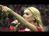 TT Arena'da Hadise'den Milli Ma