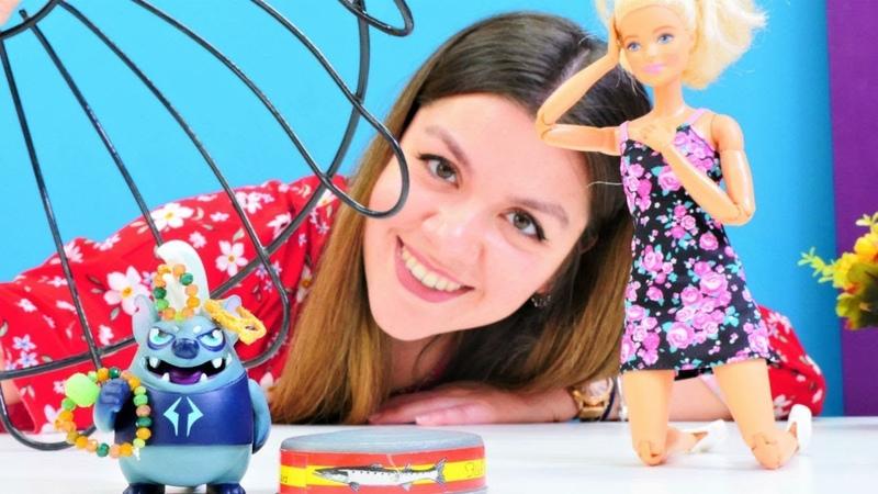 Barbienin yakut takılar çalındı! Oyuncak bebek videosu. Eğlenceli kız oyunu