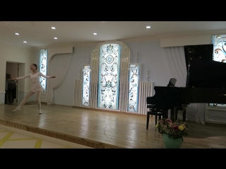 Танцует Оксана Иванова. Вариация принцессы Флорины из балета
