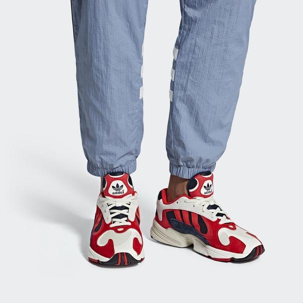 Кроссовки Yung 1