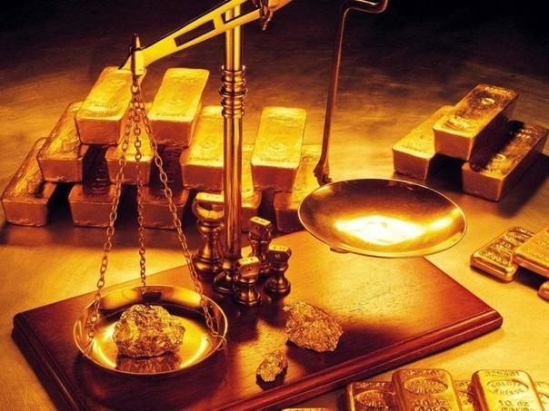 Проба золота — не просто случайное число. Оно обозначает содержание драгоценного металла в сплаве. Например, 1 г золота 585 пробы содержит 585 мг чистого золота и сплав других металлов, называемый лигатурой. Банковское золото в слитках содержит 999.999 мг