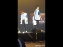 Jihoon give a kangaroo doll to Daniel nielwink 녤윙