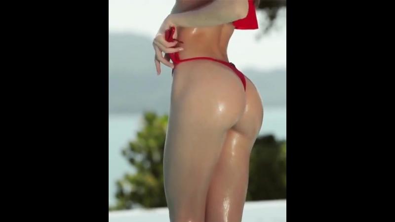 Сочная милашка в бассейне Девственница порно секс трах анал киска 18 порево выебал трахнул порнуха молоденькая кра