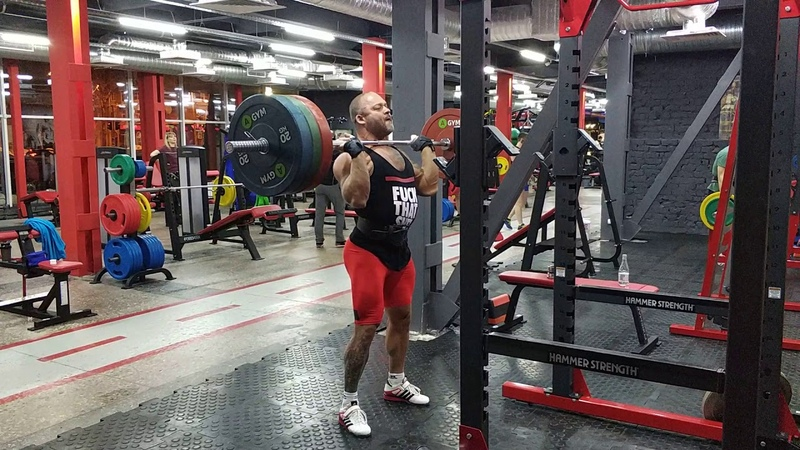 Жимовой швунг штанги 130 кг на 3 раза. Push press from the rack 130 kg × 3 reps.