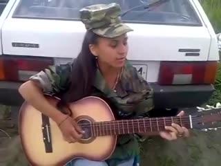 Девушка Очень Хорошо Поёт - Домой Домой (Песня Под Гитару)