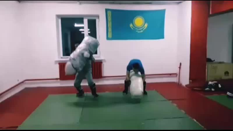 Әбілқасым БекжанШәкір Әділ