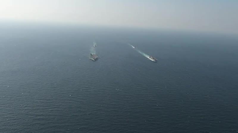 Совместный поход авианосца USS John C Stennis CVN 74 и УДК USS Essex LHD 2