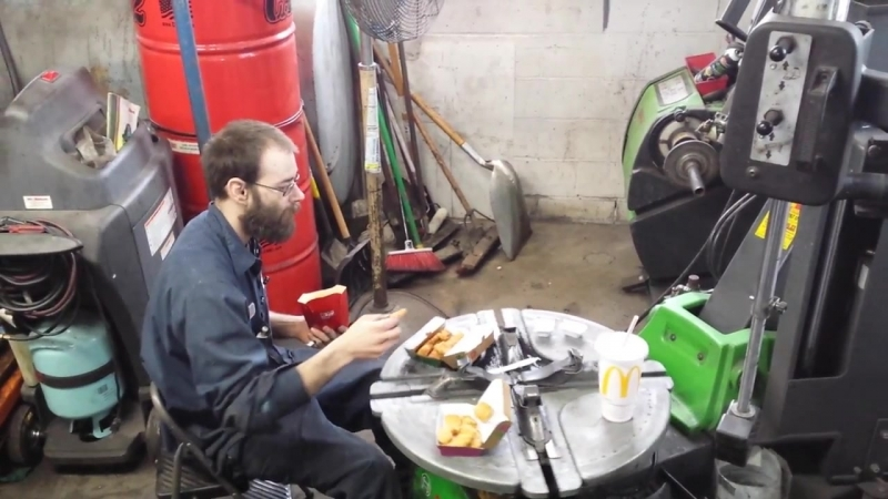 Redneck Mechanic Eats Lunch
