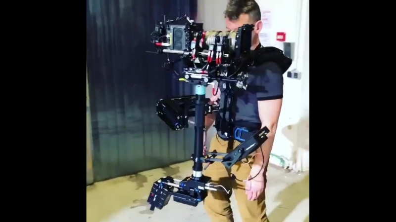 Here is steadicam operator Gilles Feron aka @gillesferon showing how its done with a Angenieux 15-40mm and Abracam lightweight M