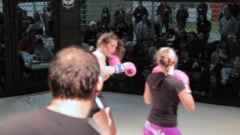 Amazing Girl Fight _ Female Kickboxing _ Astoria Oregon