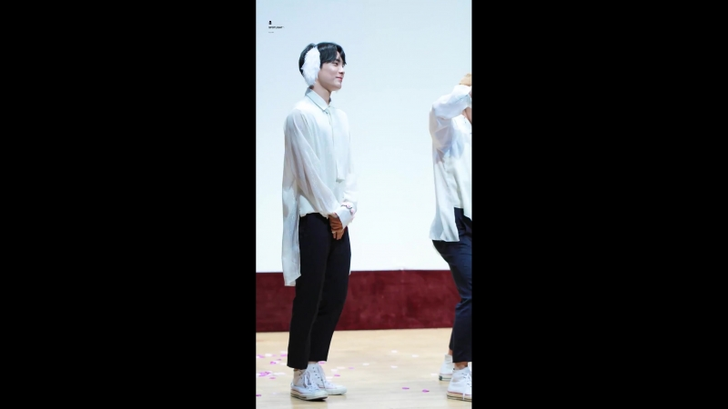 FANCAM | 17.08.18 | Jun - Take Me Higher (Part Switch ver.) @ 15th fansign Beatroad