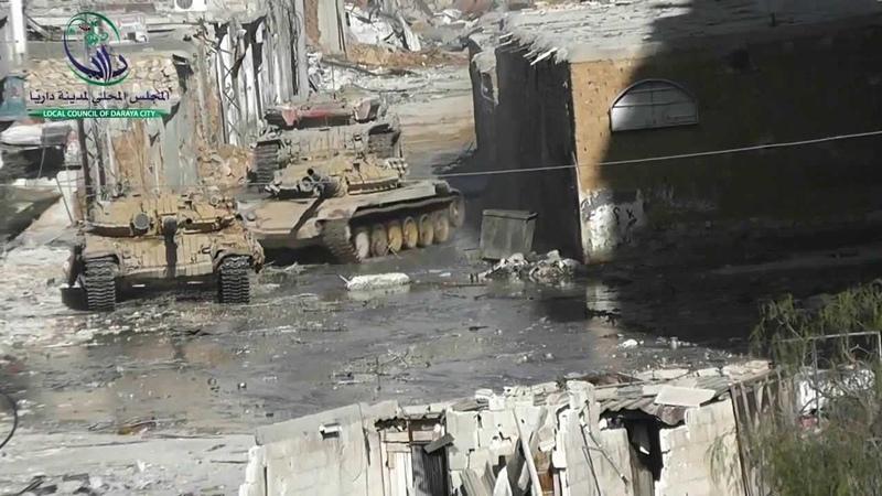 Siria Tanque T-72 incursiona en la Ciudad de Daraya (2da parte)