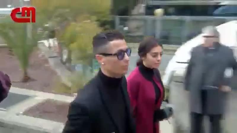 Прибытие Криштиану в здание суда в Мадриде (22.01.2019)