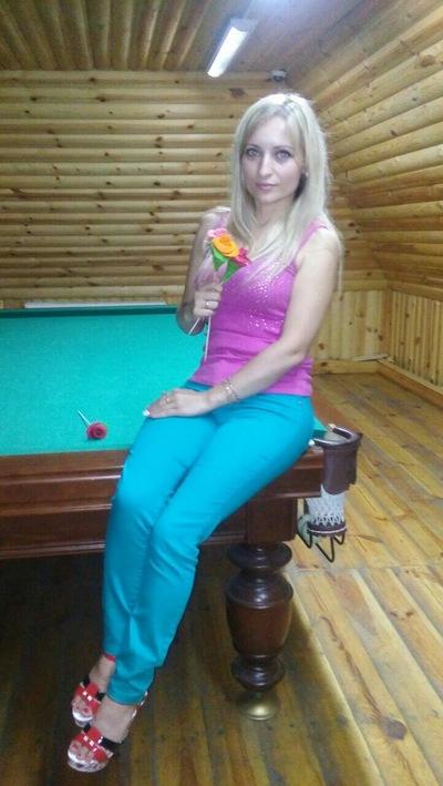 Анна Коробач