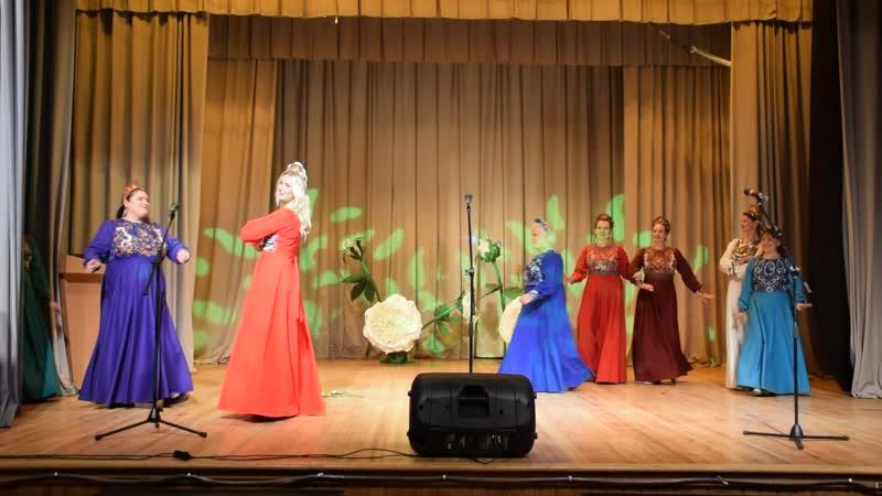 Русский Народный ансамбль Рябинушка с песней Пойду Млада
