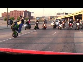 Extreme Motorcycle STUNTS 🔥 On Streets 2017 Street Bike Dirt Bike 50 Stunt Bikers DRIFT WHEELIE