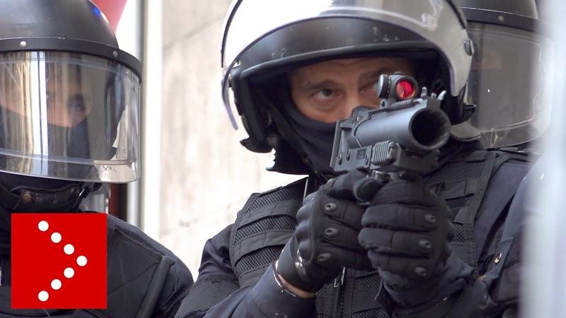 Barcellona: indipendentisti in piazza, proiettili di gomma contro i manifestanti