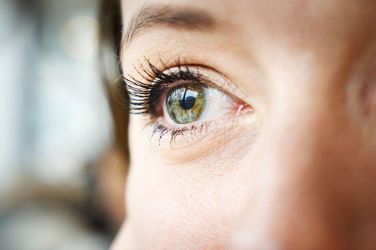 Причины синдрома сухого глаза