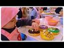 Мастер Класс в Одессе Риша готовит Пончики Donuts в кафе