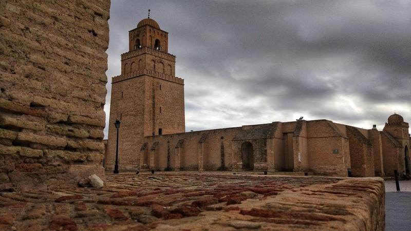 Тунис. День-4. Едем в Сахару! Мечеть Кайруана и последнее пристанище древнеримских христиан.